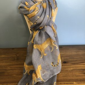 Grey cheater scarf